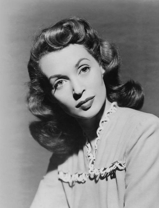 Лилли дочь немецкого еврея хирурга и австрийской еврейской театральной актрисы и известная актриса Голливуда 40 - 60 годов.