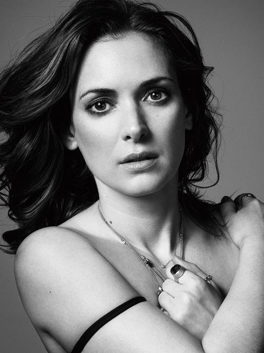 Ее отец был евреем и Вайнона родилась с фамилией Горовиц. В киноиндустрии почти 25 лет, она всегда была талантливой актрисой и считалась кумиром многих женщин в 90-х годах.