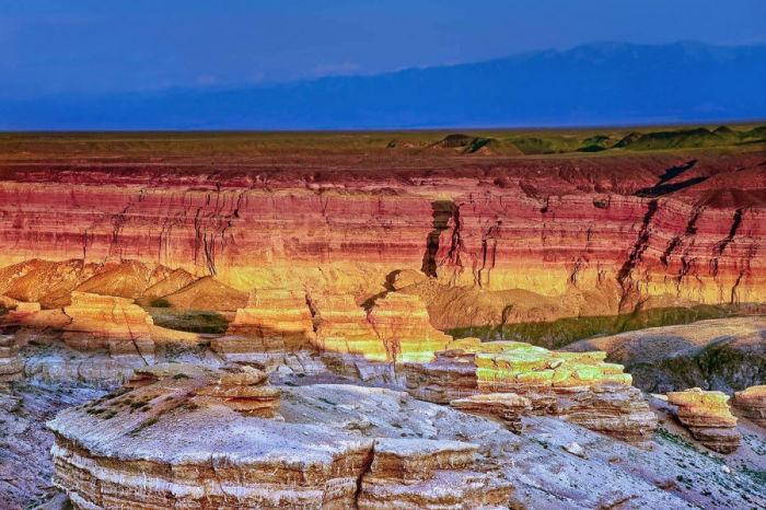 Небольшая проекция Великого Каньона Колорадо, протяженностью 150 километров.