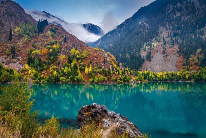 Одно из красивейших озер Казахстана.