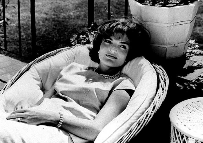 Жаклин Кеннеди спустя несколько недель после победы мужа в президентских выборах.
