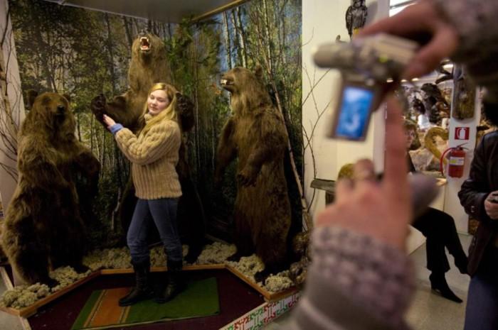 Есть опасность, что от самобытной культуры и дикой природы богатого нефтью Ханты-Мансийского округа вскоре останется только этот небольшой местный музей.