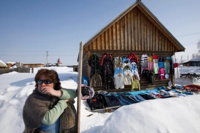 Вещевой рынок в Ханты-Мансийске.