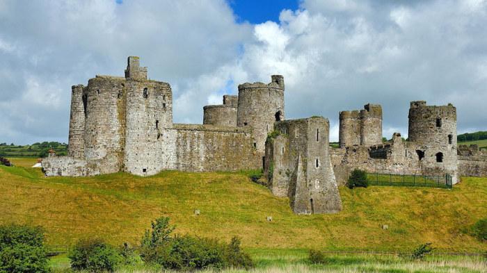 Кидвелли — один из самых прекрасных замков в Юго-западном Уэльсе.