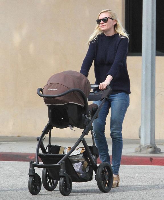 Новоиспеченной мамой является американская актриса, которая родила сына 3 мая. /Фото: placepic.ru