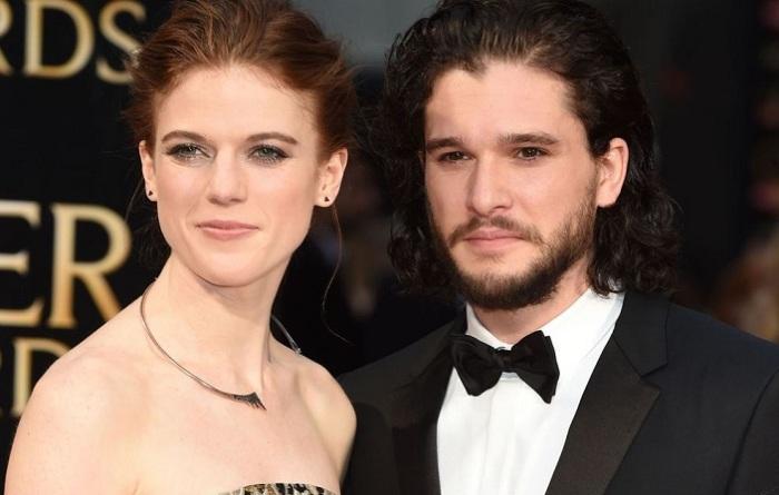 Полюбившиеся всем актеры сериала «Игра престолов» - дикарка Игритт и красавец Джон Сноу - сыграли свадьбу в замке Уордхилл (Шотландия).