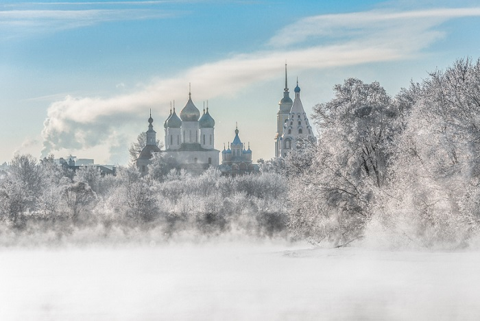 Город областного значения и административный центр Коломенского района Московской области, речной порт.