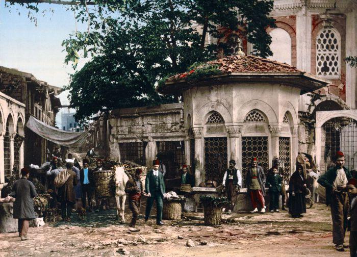 Всеми уважаемый Сенан-паша при жизни был великим человеком, который 5 раз занимал должность великого визиря при правлении разных султанов.