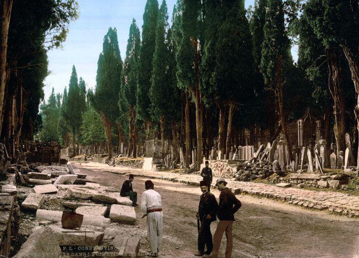 Старые надгробия могут многое поведать нам про историю этой страны.