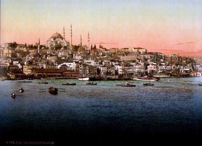 Своими богатствами и роскошью Стамбул привлекал огромное количество людей с разных уголков земли.
