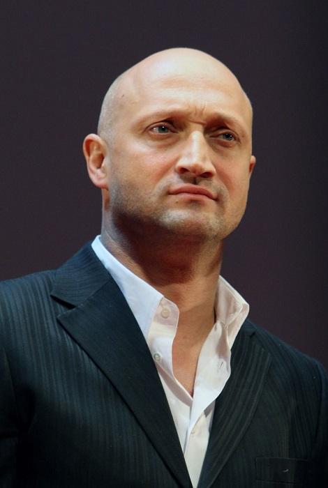 Российский актер, режиссер, сценарист, продюсер и певец.