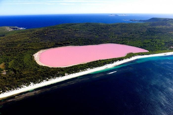 Удивительное, красивое и загадочное озеро расположенное у южного побережья Западной Австралии.
