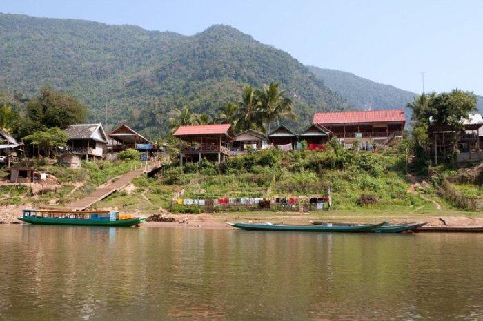 Древний город находится примерно в 30 км от Бангкока.