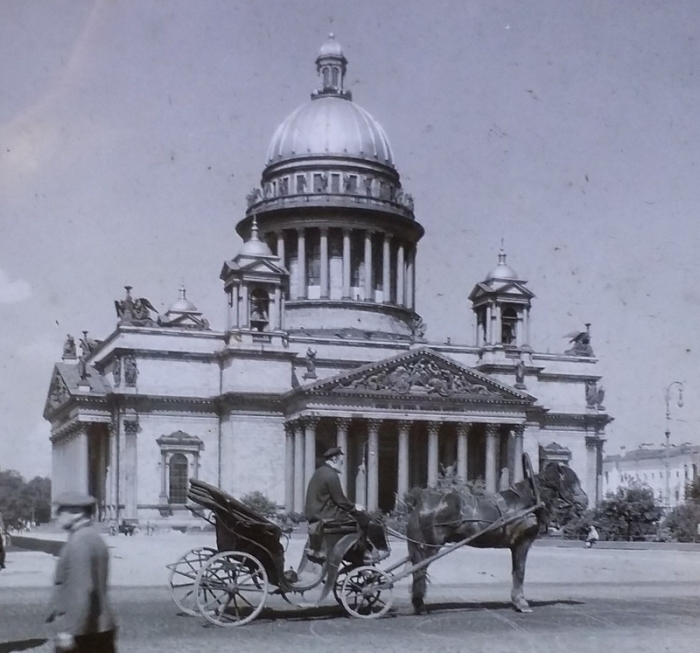 Крупнейший православный храм Лениграда.