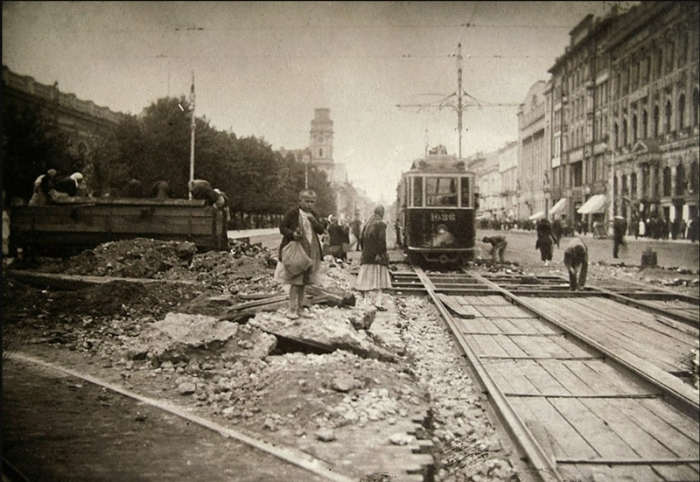Капитальный ремонт трамвайных путей.