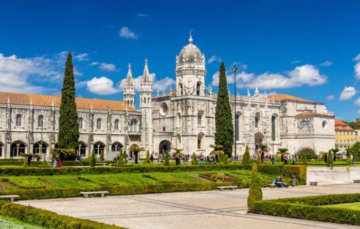 Самая восхитительная и потрясающая архитектурная достопримечательность Лиссабона.