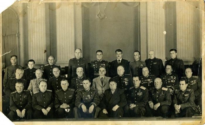Шверник Николай Михайлович(сидит во 2-м ряду в центре) среди награжденных генералов и работников МГБ. 1948 год.
