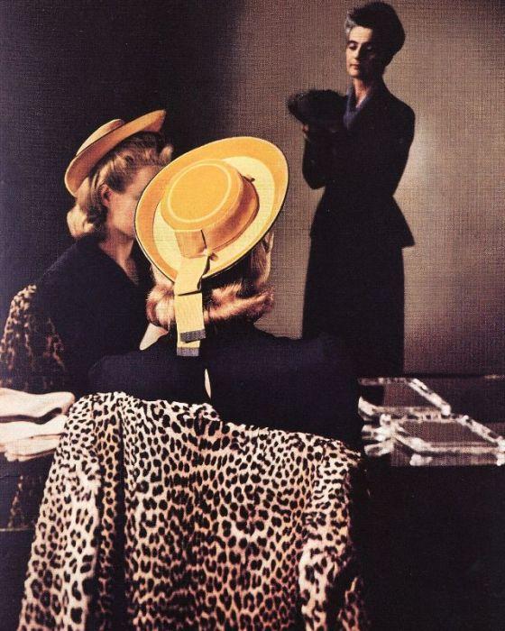 Лиз Гиббонс (Liz Gibbons) примеряет яркую шляпку в «Бергдорф Гудман».