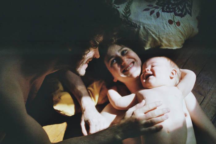 Нет на свете никого роднее, чем здоровые и счастливые родители и дети.
