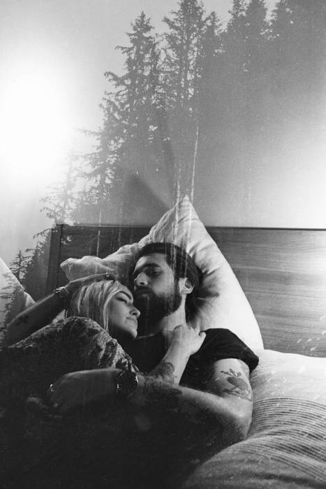 От любви есть только одно средство: любить еще больше.