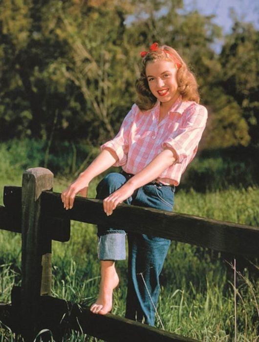 Повторная встреча между именитым фотографом и уже известной Мэрилин произошла на съемках фильма «В джазе только девушки» в 1959 году.