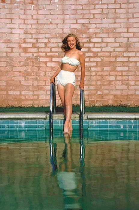 В 1946 году снимки с будущей знаменитостью украшали мужские журналы и рекламные проспекты.