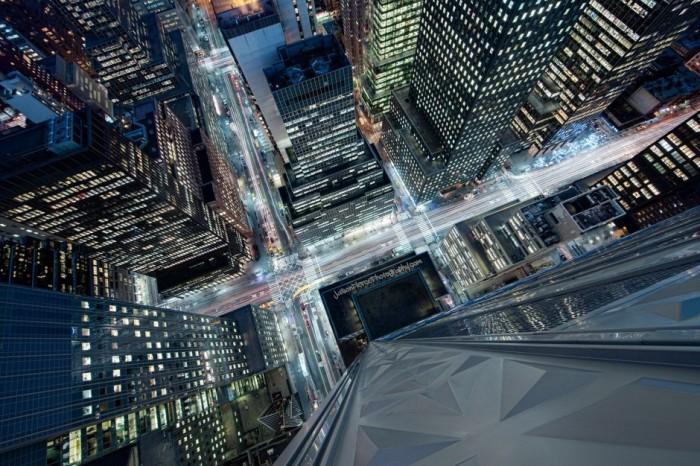 Деловой торговый район, где расположены многие известные небоскрёбы.