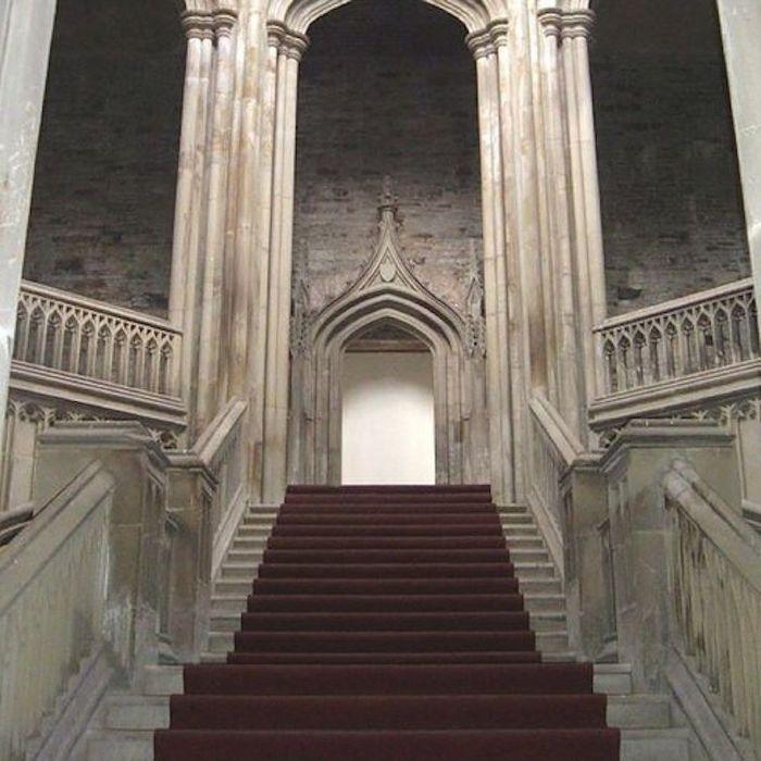 Особняк викторианской эпохи, построенный в стиле макета замка.