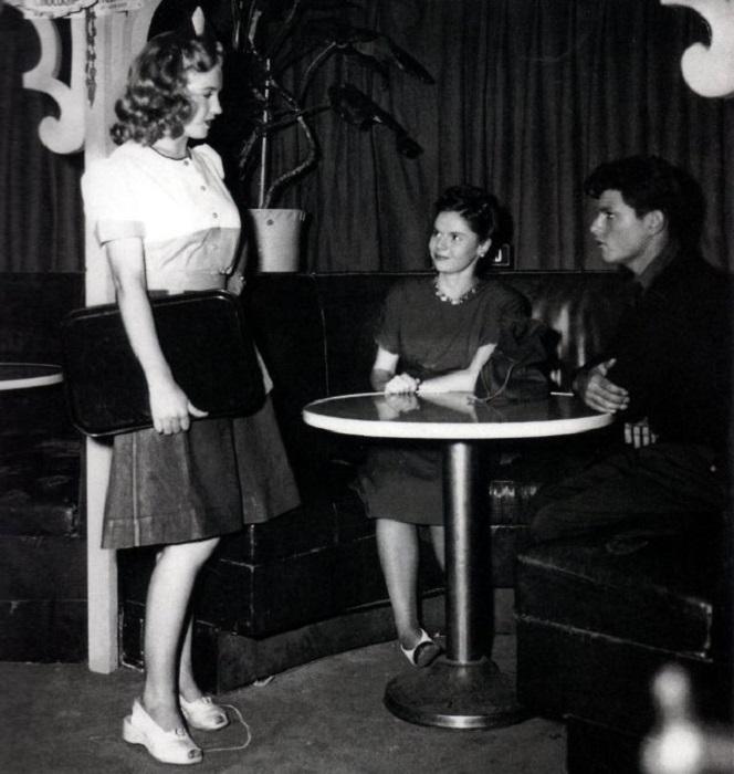 Одна из первых ролей Мэрилин Монро.