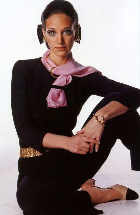Мариса Беренсон (Marisa Berenson) – одна из самых высокооплачиваемых моделей мира в 1960-х годах.