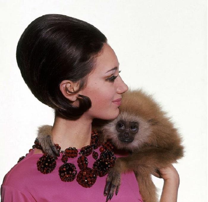 До 1970 года прекрасная американка работала фотомоделью для известного журнала «Vogue».