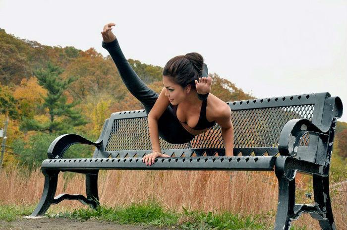 Талантливая и красивая Мишель Лу Лань - королева йоги.