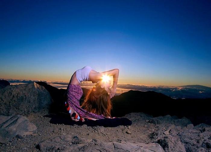 Йога – путь к укреплению здоровья женщины.