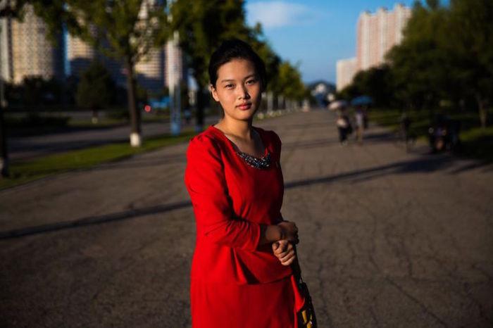Один из широких бульваров в Пхеньяне.