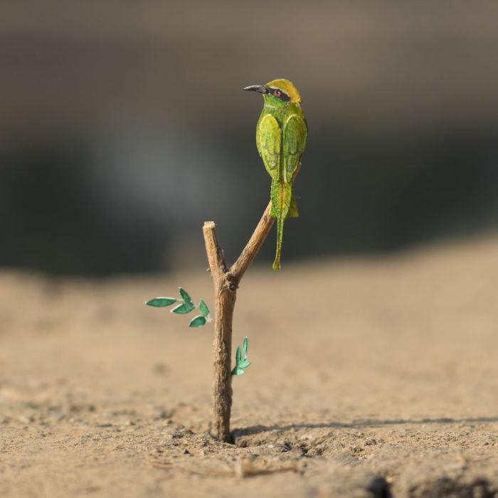 Бумажная птица от индийского художника.