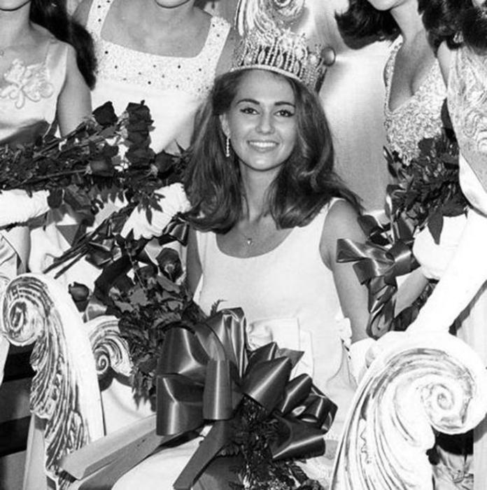 Победительница конкурса «Мисс Вселенная 1967».