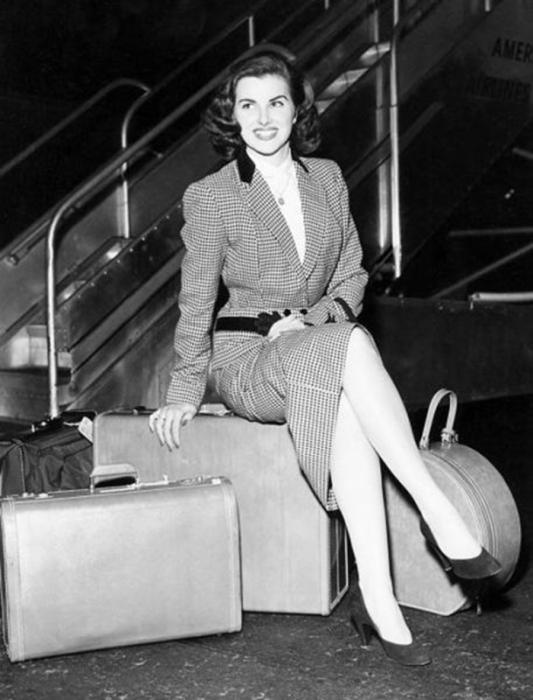 Французская киноактриса, победительница конкурса «Мисс Вселенная 1953».