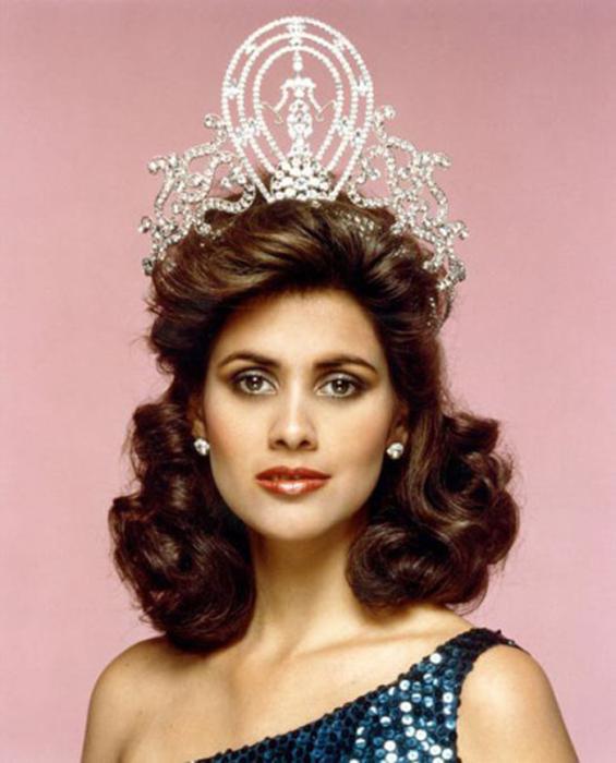 победительница конкурса «Мисс Вселенная 1985».