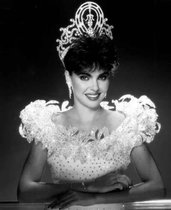Известная в Латинской Америке модель и победительница конкурса «Мисс Вселенная 1986».