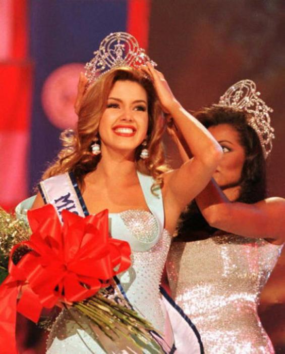 Венесуэльская актриса, фотомодель, певица, журналистка и победительница конкурса «Мисс Вселенная 1996».