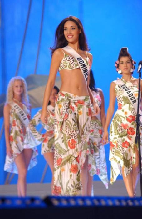 Доминиканская фотомодель, певица и победительница конкурса «Мисс Вселенная 2003».