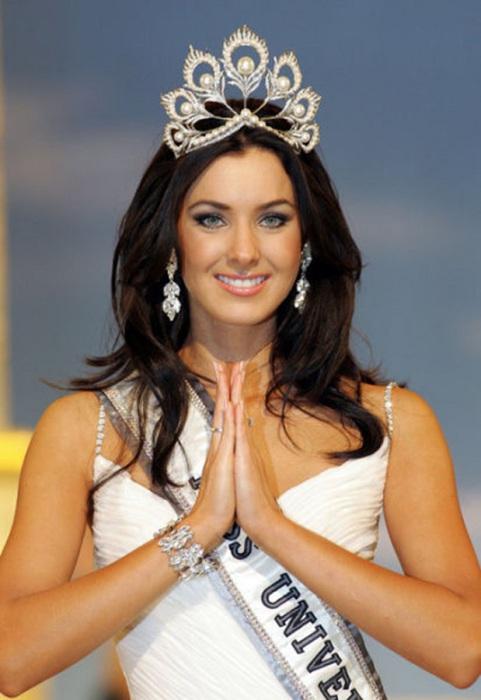 Победительница конкурса «Мисс Вселенная 2005».