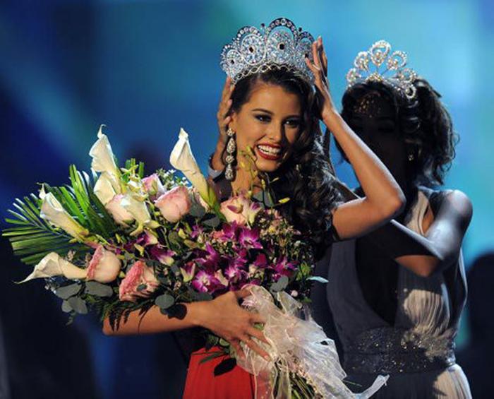Венесуэльская фотомодель, «Мисс Венесуэла 2008» и победительница конкурса «Мисс Вселенная 2009».