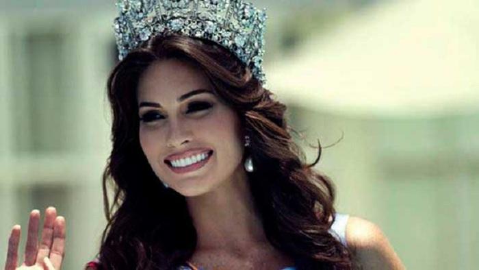 Венесуэльская модель, победительница конкурса «Мисс Вселенная 2013».
