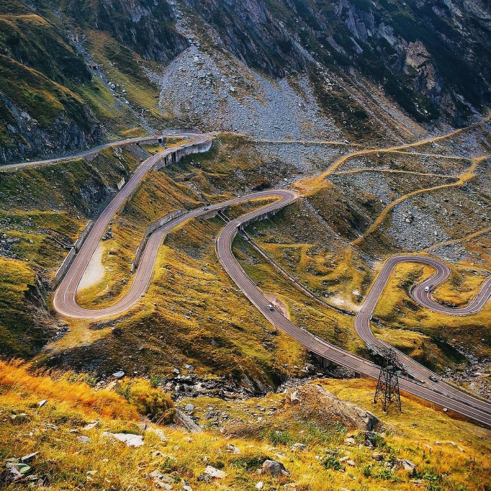 Горная дорога Transfagarasan, является второй по величине асфальтированной дорогой в Румынии. Фотограф Карен Грабб.