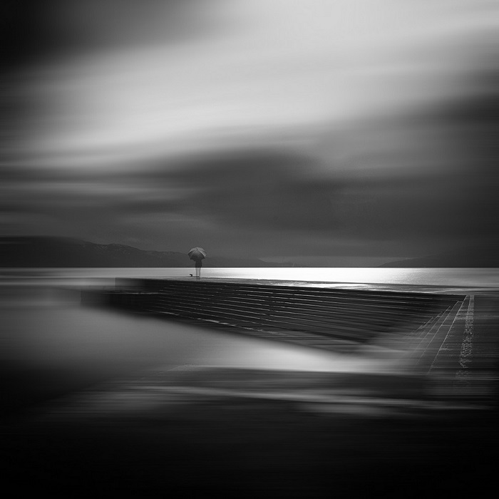 Победителем в номинации «Файн-арт» стал корейский фотограф Сонг Джо Ву (Seong Joe Woo) со своей экспозицией в Восточном море (префектура Фукуи, Япония).