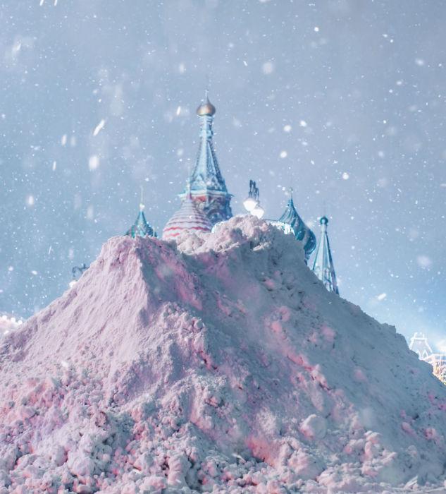 Москва утопает в снегу.