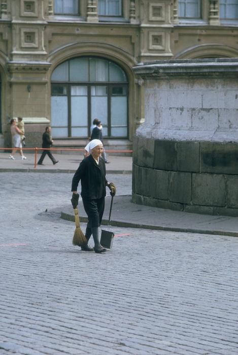 Уборка столичных улиц.