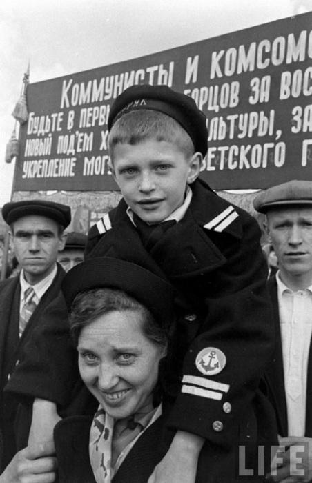 Первомайский парад 1947 года в Москве.