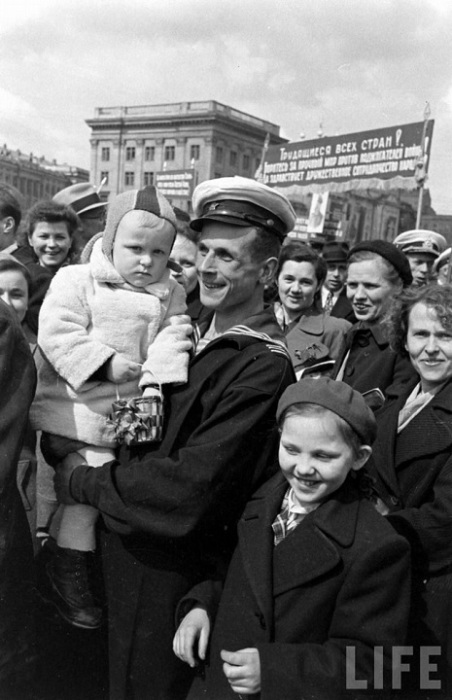 На параде 1 мая, Москва, 1947г.